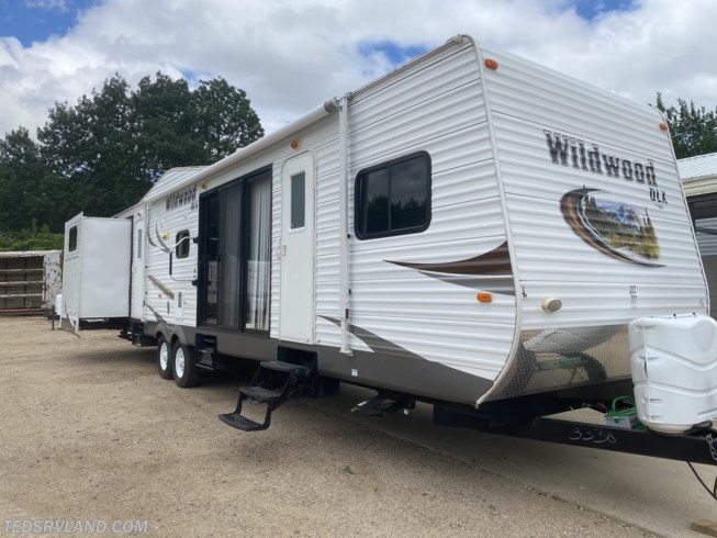 Used 2014 Forest River Wildwood 402QBQ available in  Paynesville, Minnesota
