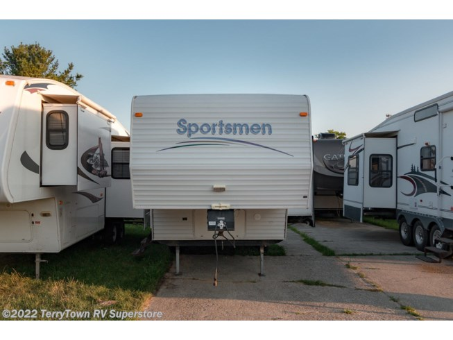 1999 K-Z Sportsmen 2251 - Used Fifth Wheel For Sale by TerryTown RV Superstore in Grand Rapids, Michigan