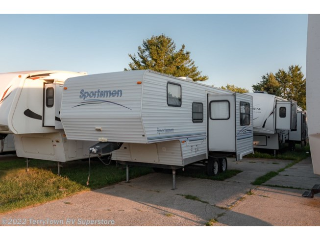 1999 Sportsmen 2251 by K-Z from TerryTown RV Superstore in Grand Rapids, Michigan