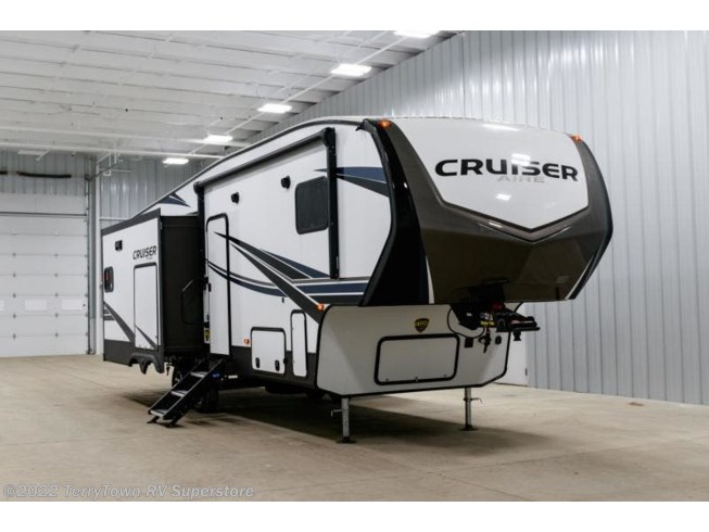New 2020 CrossRoads Cruiser Aire 28RD available in Grand Rapids, Michigan