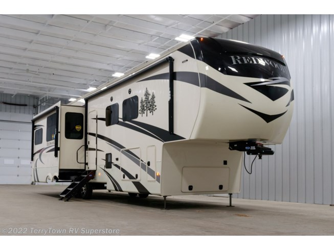 New 2020 CrossRoads Redwood 3901WB available in Grand Rapids, Michigan
