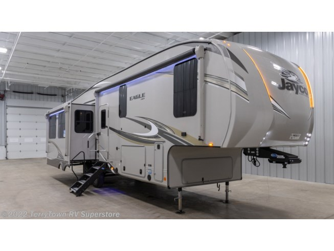 New 2020 Jayco Eagle 321RSTS available in Grand Rapids, Michigan
