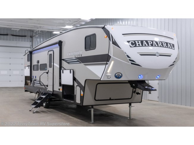 New 2021 Coachmen Chaparral Lite 274BH available in Grand Rapids, Michigan