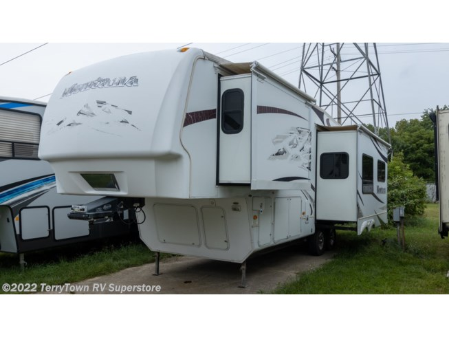 Used 2009 Keystone Montana 2955RL available in Grand Rapids, Michigan