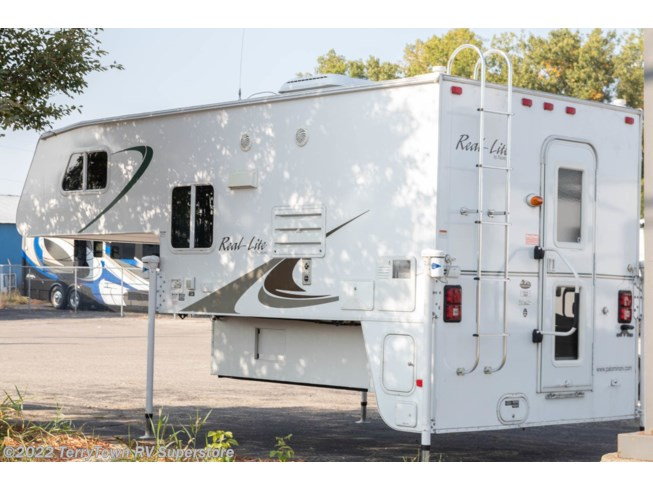 2010 Palominio Real Lite 1812 by Miscellaneous from TerryTown RV Superstore in Grand Rapids, Michigan