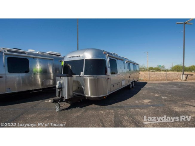 2019 Classic 33FB Twin by Airstream from Lazydays RV of Tucson in Tucson, Arizona