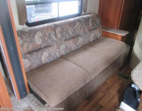 TT1673 2011 Coachmen Catalina 25RKS Rear Kitchen Sofa Bed Slide out for sale in Egg Harbor