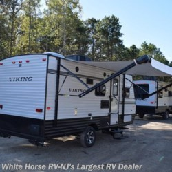 White Horse RV Center (Galloway Twp) 2018 Viking 17BH, FRONT QUEEN, BUNKS AND A BIKE DOOR  Travel Trailer by Coachmen | Egg Harbor City, New Jersey