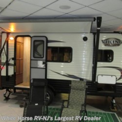 White Horse RV Center (Galloway Twp) 2018 Viking 16FB Roomy Rear Bath, Dinette, Front Bed  Travel Trailer by Coachmen | Egg Harbor City, New Jersey