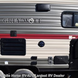 White Horse RV Center (Galloway Twp) 2018 Grey Wolf 26DBH  Travel Trailer by Forest River | Egg Harbor City, New Jersey