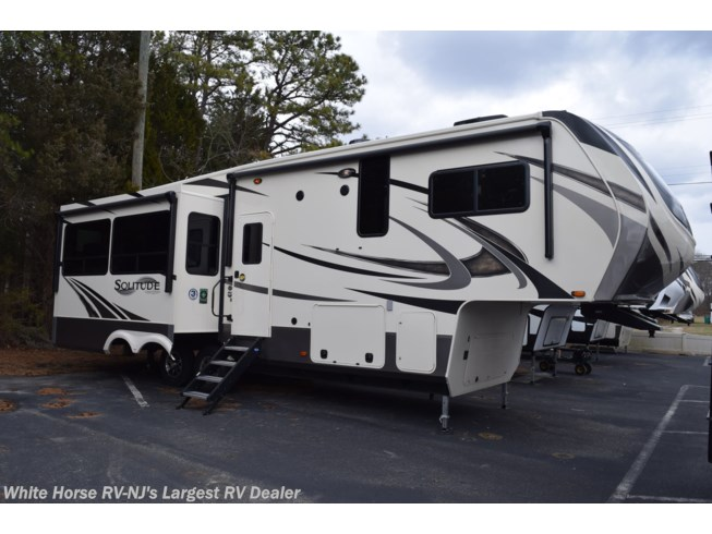 New 2020 Grand Design Solitude 2930RL available in Egg Harbor City, New Jersey