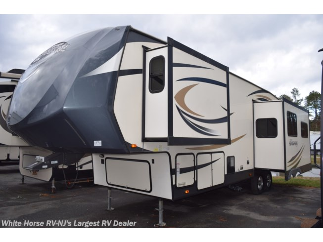Used 2016 Forest River Salem Hemisphere Lite 276RLIS available in Egg Harbor City, New Jersey