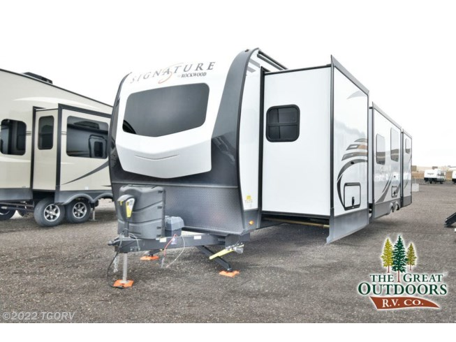 New 2020 Forest River Rockwood Signature Ultra Lite 8327SB available in Greeley, Colorado