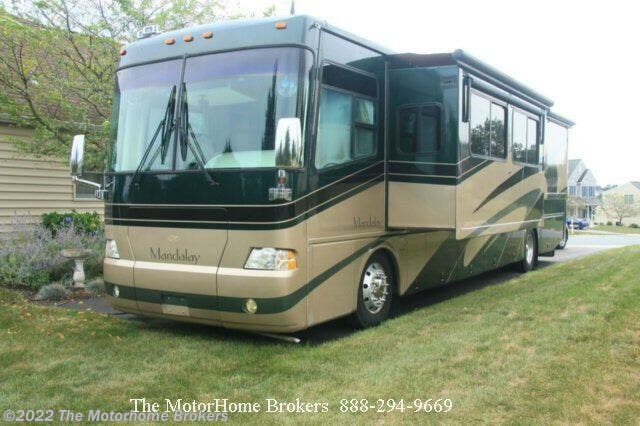 Used 2004 Thor Motor Coach Mandalay 40D (SOLD) available in Salisbury, Maryland