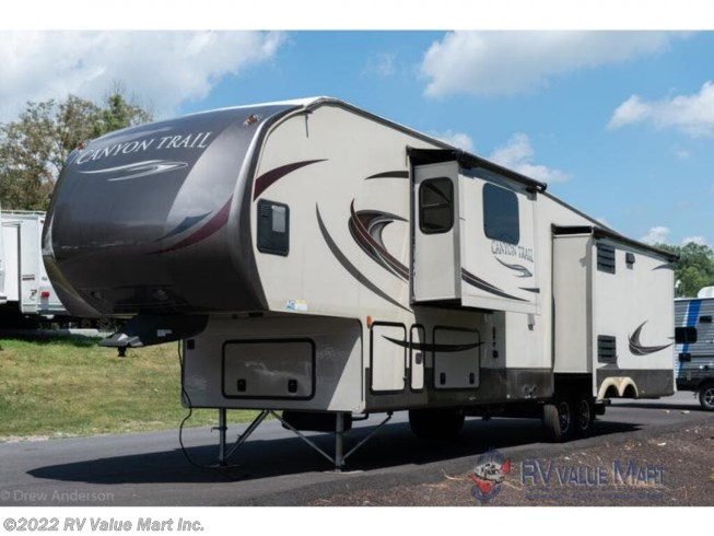 2015 Canyon Trail 36FBQS by Gulf Stream from RV Value Mart Inc. in Lititz, Pennsylvania