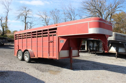 Livestock Trailer - 2003 Miscellaneous DELMAR GS162 available Used in Mt. Vernon, IL