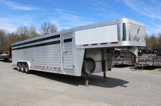 Livestock Trailer - 2016 Featherlite 8127-8032 available Used in Mt. Vernon, IL