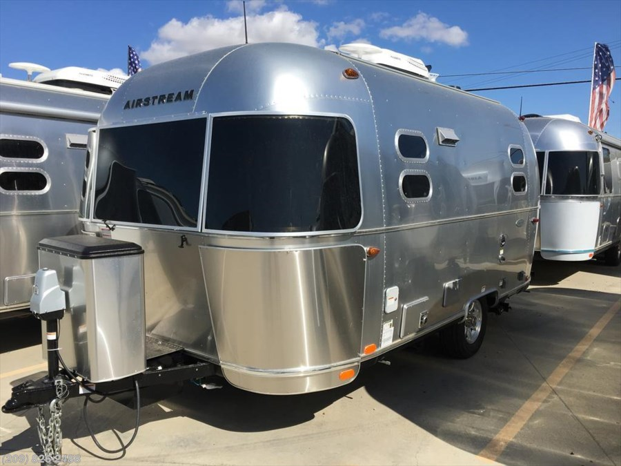 2018 Airstream Flying Cloud 19 Bambi