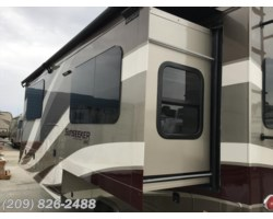 #7147 - 2018 Forest River Sunseeker 2400W MBS