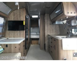 #7180 - 2018 Airstream Tommy Bahama 27FB
