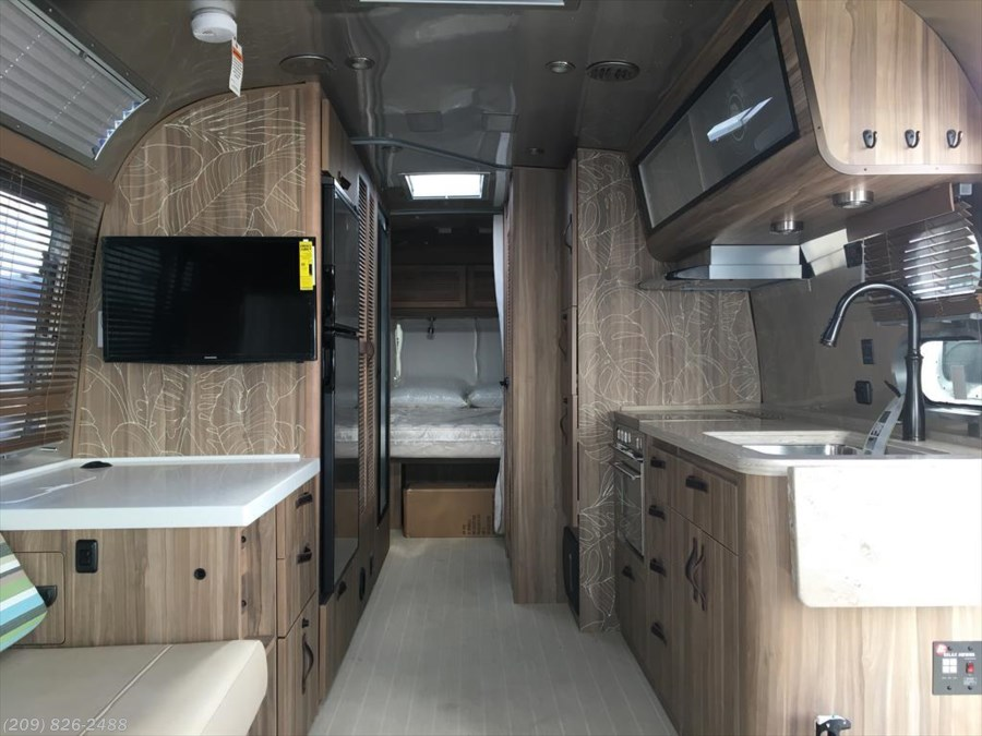 2018 Airstream Tommy Bahama 27FB