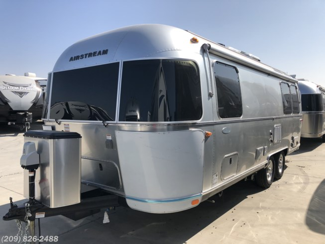 2019 Airstream Flying Cloud 25FB TWINS