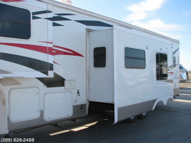 2008 33MK by CrossRoads from Toscano RV in Los Banos, California