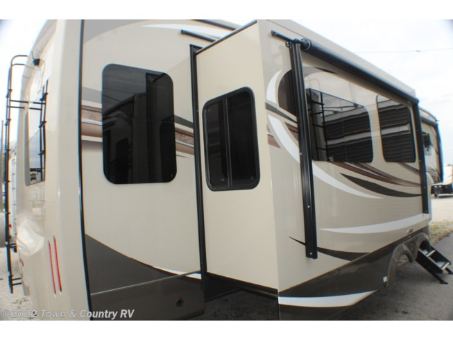 New 2020 Jayco Pinnacle 32RLTS available in Clyde, Ohio