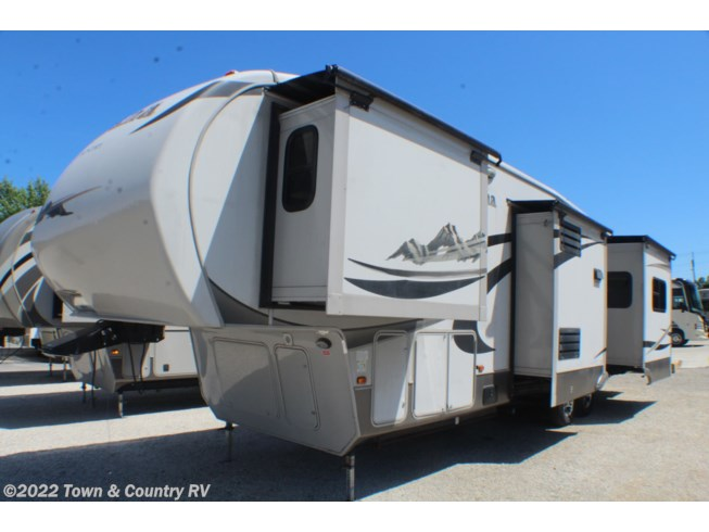 Used 2011 Keystone Montana High Country 313RE available in Clyde, Ohio