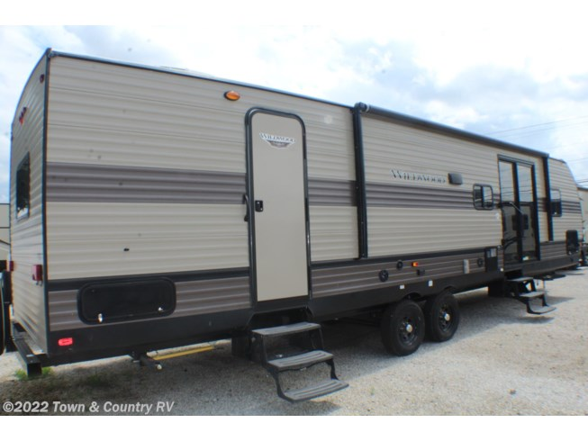 2020 Wildwood 37BHSS2Q by Forest River from Town & Country RV in Clyde, Ohio
