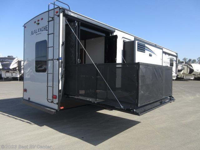 2019 Keystone Rv Avalanche 385bg Side Patio Bunk Room