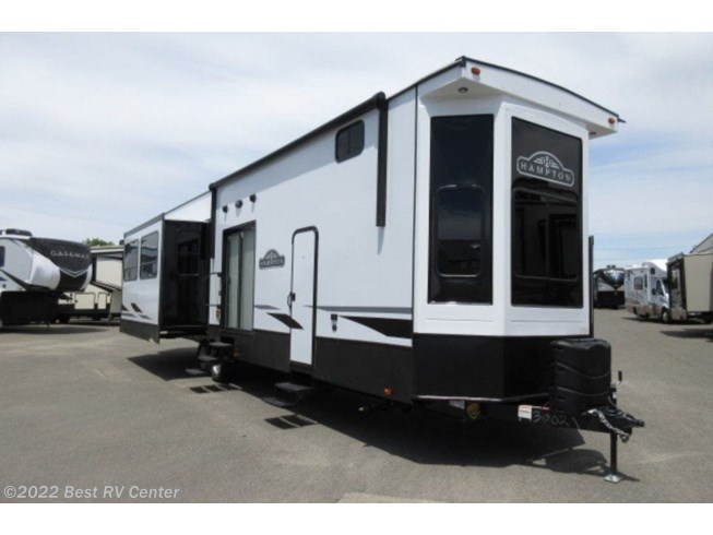 New 2021 CrossRoads Hampton HP375DBL available in Turlock, California