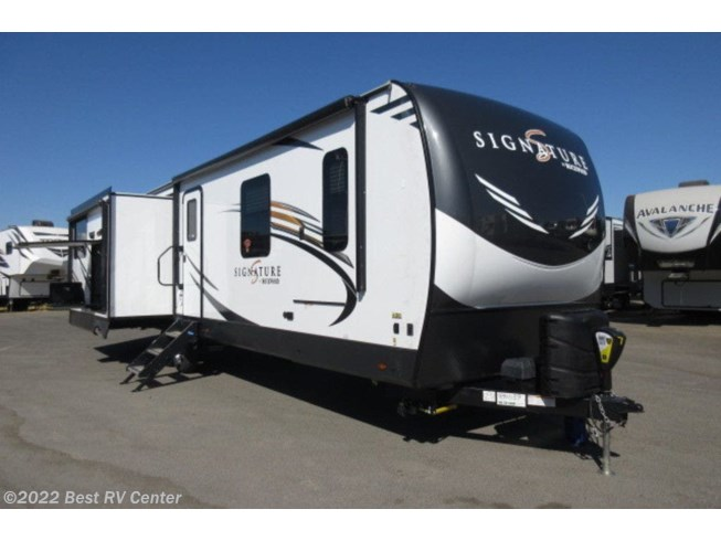 New 2020 Forest River Rockwood Signature Ultra Lite 8332SB available in Turlock, California