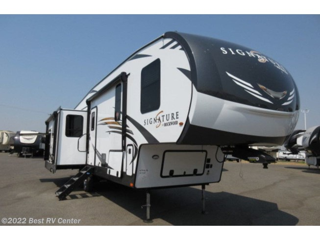 New 2021 Forest River Rockwood Signature Ultra Lite 8288SB available in Turlock, California