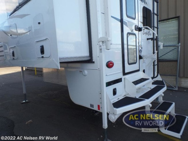 New 2019 Adventurer LP Eagle Cap 960 available in Shakopee, Minnesota