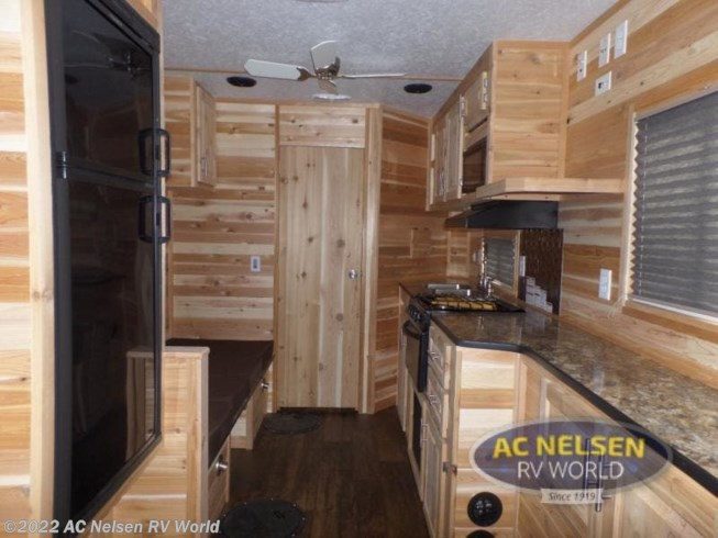 2020 Ice Castle Ice Castle Fish Houses 21RV EXTREME - New Fish House For Sale by AC Nelsen RV World in Shakopee, Minnesota