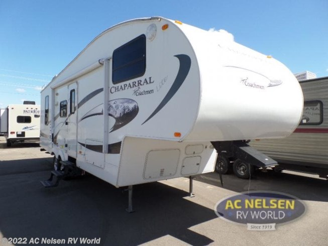 Used 2009 Coachmen Chaparral Lite 268RLS available in Shakopee, Minnesota