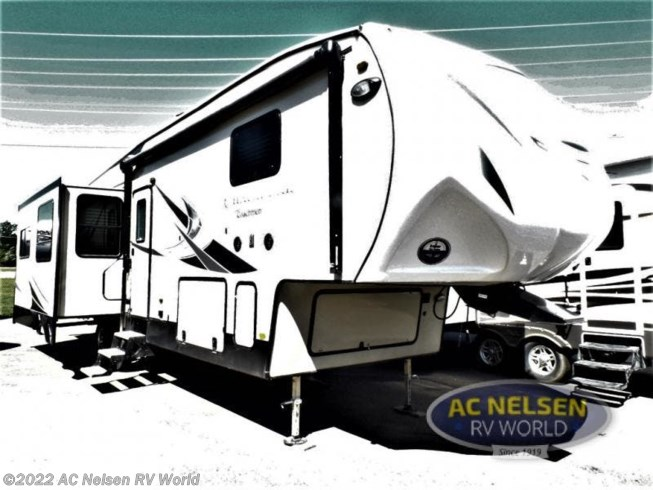 Used 2017 Coachmen Chaparral 336TSIK available in Shakopee, Minnesota