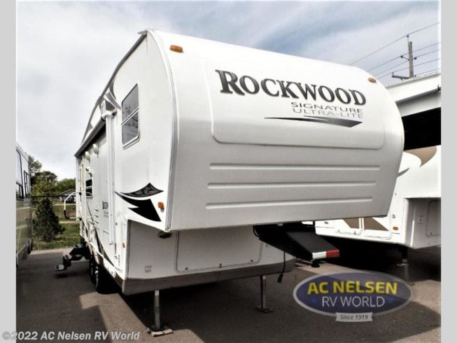 Used 2008 Rockwood Ultra-Lite 8244S available in Shakopee, Minnesota