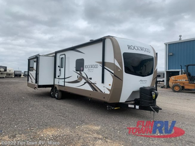 Used 2019 Forest River Rockwood Signature Ultra Lite 8329SS available in Hewitt, Texas