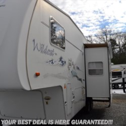 2005 Forest River Wildcat 28RKS  - Fifth Wheel Used  in Seaford DE For Sale by Delmarva RV Center in Seaford call 302-212-4392 today for more info.