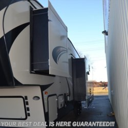 Delmarva RV Center in Seaford 2018 Cougar Half-Ton 30RLS  Fifth Wheel by Keystone | Seaford, Delaware