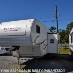 2006 Forest River Rockwood 8281SS  - Fifth Wheel Used  in Seaford DE For Sale by Delmarva RV Center in Seaford call 302-212-4392 today for more info.