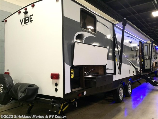 2018 Forest River Vibe Extreme Lite 287 QBS - New Travel Trailer For Sale by Strickland Marine & RV Center in Seneca, South Carolina features Air Conditioning, AM/FM/CD, Batteries, Bunk Beds, Bunkhouse, CO Detector, Exterior Grill, Exterior Speakers, Furnace, Leveling Jacks, LP Detector, Microwave, Outside Kitchen, Oven, Overhead Cabinetry, Power Awning, Queen Bed, Refrigerator, Shower, Slideout, Smoke Detector, Sofa Bed, Spare Tire Kit, Stove, Toilet, TV, U-Shaped Dinette, Water Heater