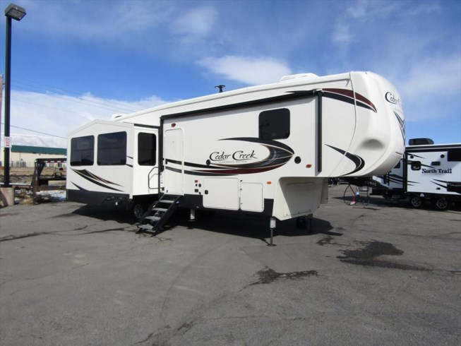 2019 Forest River Cedar Creek Silverback 29RE