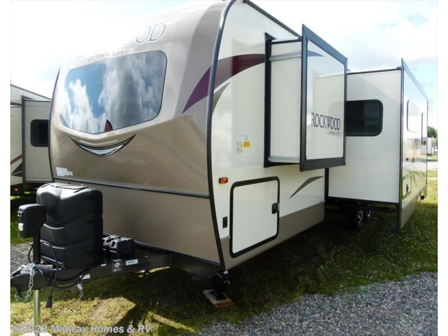 <span style='text-decoration:line-through;'>2018 Forest River Rockwood Ultra Lite 2706WS</span>