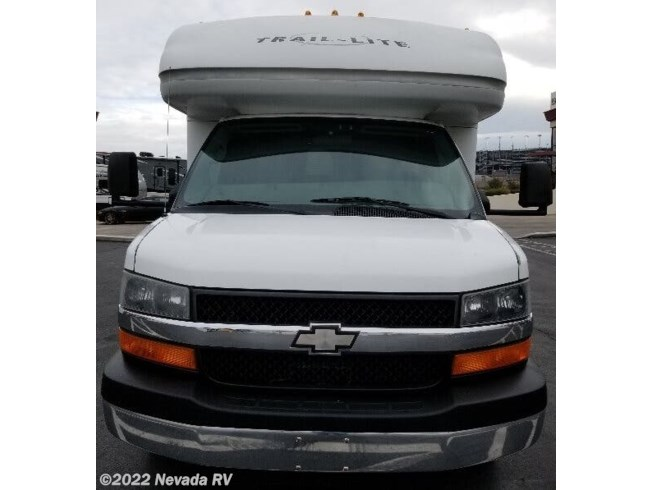 2006 R-Vision Trail-Lite 251 - Used Class B+ For Sale by Nevada RV in Las Vegas, Nevada features Furnace, Self Contained, Oven, Toilet, Water Heater