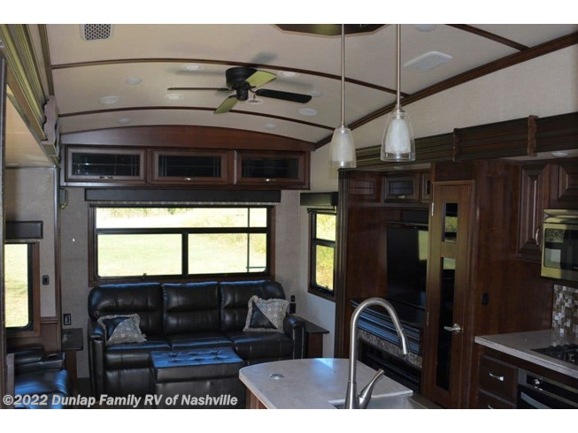 Used 2018 Jayco Pinnacle available in Lebanon, Tennessee