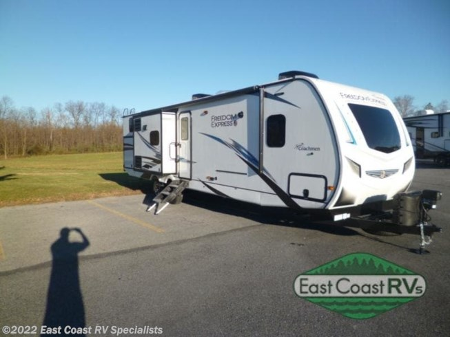 New 2021 Coachmen Freedom Express Liberty Edition 320BHDSLE available in Bedford, Pennsylvania