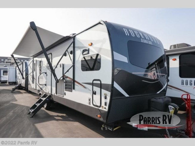 New 2021 Forest River Rockwood Signature Ultra Lite 8335SB available in Murray, Utah